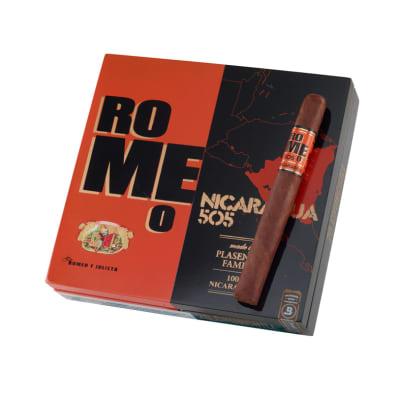 Romeo 505 Nicaragua by Romeo y Julieta Churchill - CI-RNR-CHUN